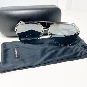 Dolce & Gabbana shut me out oversized sunglasses